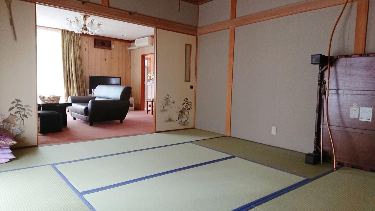 リビング隣の8畳の和室