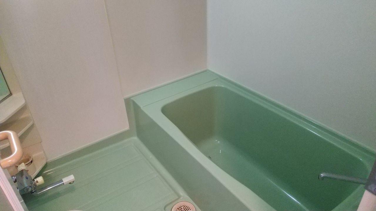 広めの浴室です