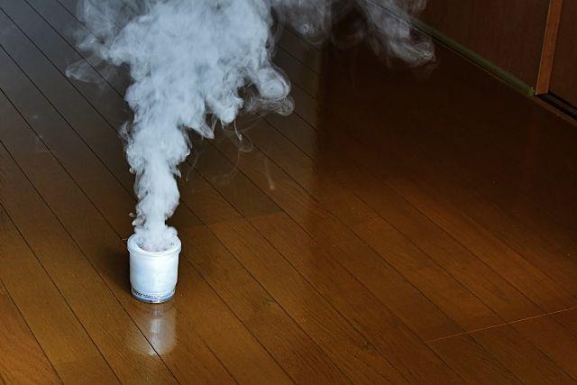 アパートなど、集合住宅での殺虫剤の使用には、注意が必要です。