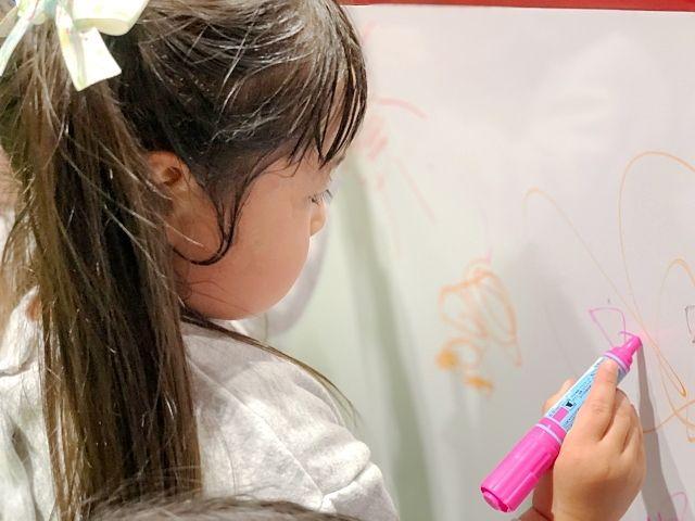 賃貸物件の壁紙への子どもの落書き、費用請求はできる?