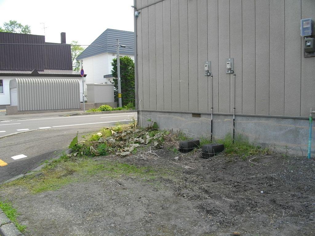【不動産の窓口の賃貸管理】アパートそれぞれの「草刈り・害虫駆除」