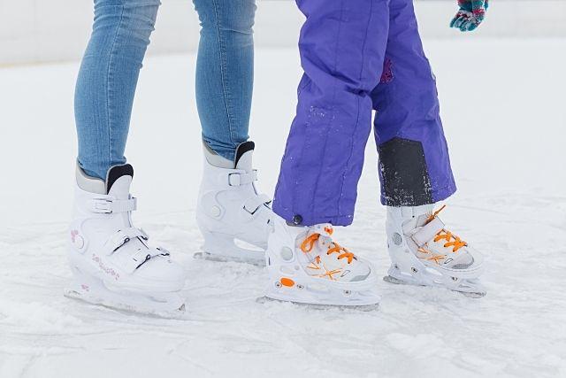 北海道の冬、冬だから遊べるスポーツが沢山!恵庭市には市民スキー場とスケート場がありますので、ご紹介します!