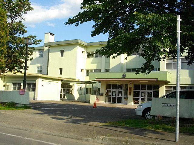恵庭市でも一番生徒数の多い小学校です