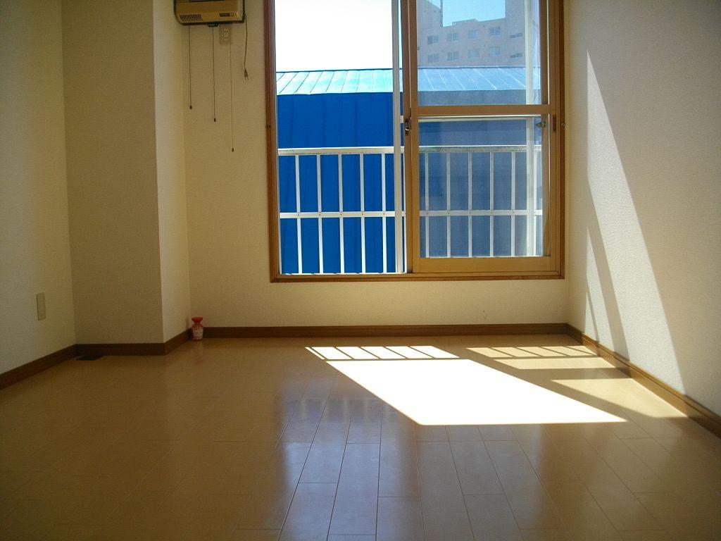 明るい陽射しの入る1Kの洋室です!