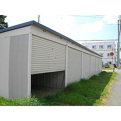 恵庭市駒場町にある貸車庫のご紹介です!
